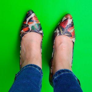 zapato mariposa tecnicolor