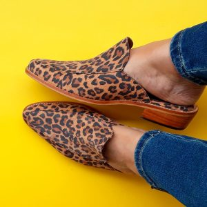 puntillas de cuero animal print